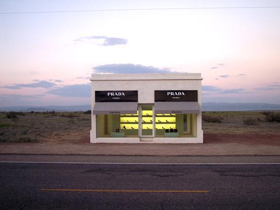 Prada-Shop-in-Desert